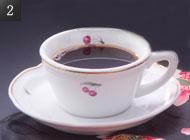 ロビーラウンジで食後のコーヒーを。